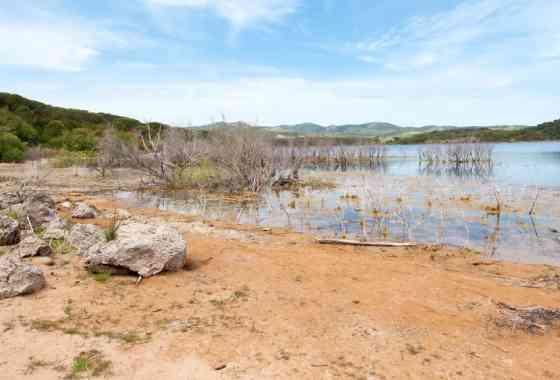 Il lago di Baratz